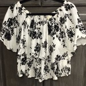 Japna s black and white top